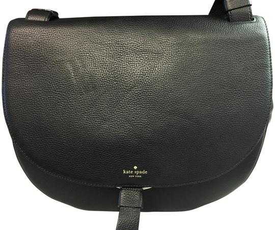Preload https://img-static.tradesy.com/item/22854580/kate-spade-clarke-street-kamille-black-leather-cross-body-bag-0-1-540-540.jpg