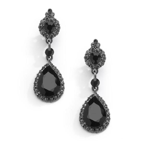 Preload https://img-static.tradesy.com/item/22854725/mariell-black-jet-crystal-clip-on-with-teardrop-dangles-4532ec-bk-earrings-0-0-540-540.jpg