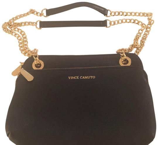 Preload https://img-static.tradesy.com/item/22854863/vince-camuto-libel-small-black-leather-cross-body-bag-0-1-540-540.jpg
