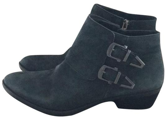 Preload https://item3.tradesy.com/images/vince-camuto-blue-grey-used-bootsbooties-size-eu-38-approx-us-8-regular-m-b-22854977-0-1.jpg?width=440&height=440