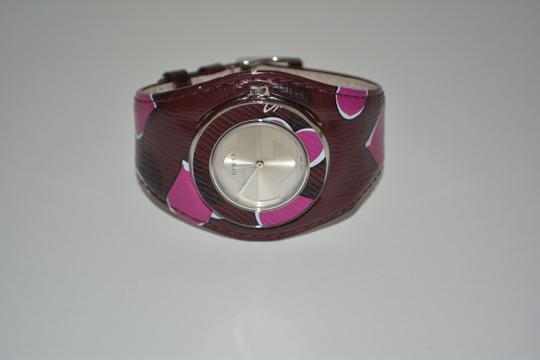 Gucci NWT GUCCI 355113 U-PLAY HEARTS LEATHER BAND WATCH