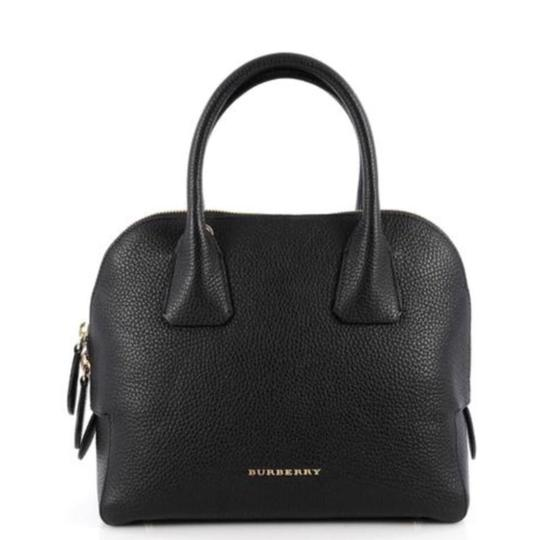 Preload https://item1.tradesy.com/images/burberry-women-s-medium-grainy-bowling-black-leather-cross-body-bag-22855195-0-0.jpg?width=440&height=440
