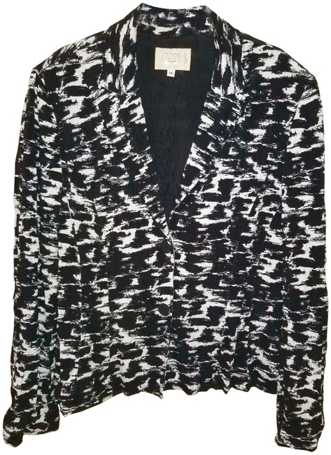Preload https://item1.tradesy.com/images/alberto-makali-black-white-xl-crinkled-spring-jacket-size-16-xl-plus-0x-22855545-0-1.jpg?width=400&height=650