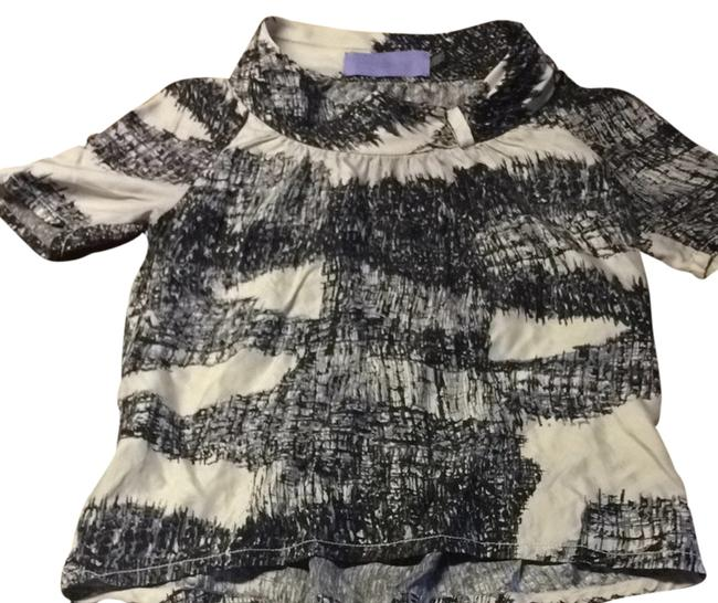 Item - Black and White Abstract Blouse Size 4 (S)