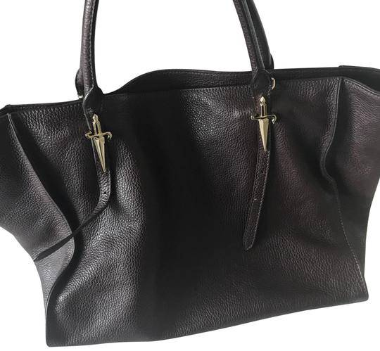 Preload https://item5.tradesy.com/images/cesare-paciotti-classic-hand-burgundy-leather-tote-22855654-0-1.jpg?width=440&height=440