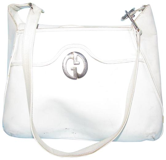 Preload https://item1.tradesy.com/images/gucci-1973-vintage-pursesdesigner-purses-white-leather-hobo-bag-22855755-0-1.jpg?width=440&height=440