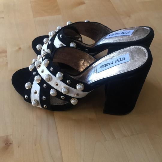 Steve Madden black/white Sandals