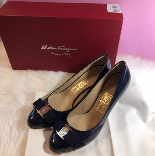 Salvatore Ferragamo navy blue Pumps