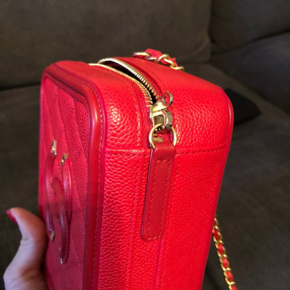e2651f03a773 Chanel Vanity Case True Color Red Caviar Leather Brushed Gold Hw Cross Body  Bag - Tradesy