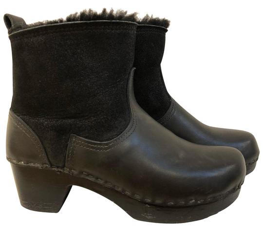 Preload https://item5.tradesy.com/images/black-shearling-clog-on-mid-heel-in-double-aviator-on-base-bootsbooties-size-eu-38-approx-us-8-regul-22855844-0-1.jpg?width=440&height=440