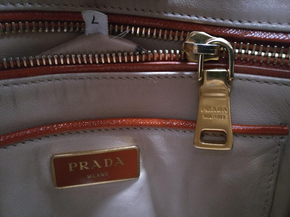 4d452d8a45d1 Prada Black Leather Saffiano Double Zip Tote Image 10. 1234567891011