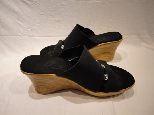 Finest by Onex Wedge Elastic Black Sandals