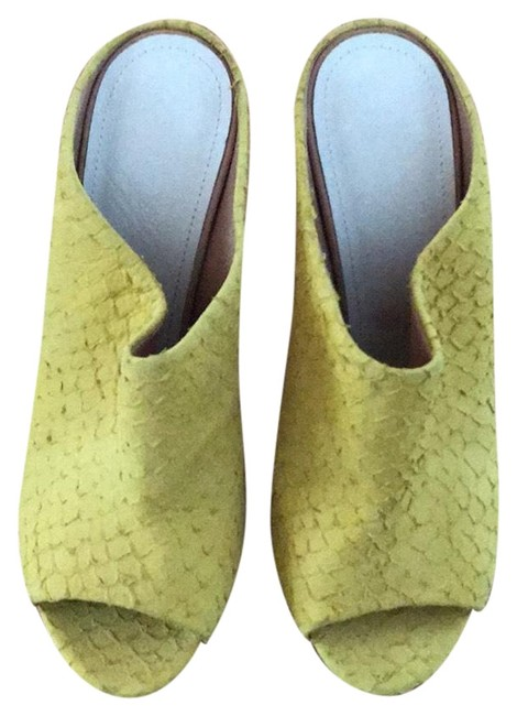 Item - Yellow Classic Mules/Slides Size EU 39 (Approx. US 9) Regular (M, B)