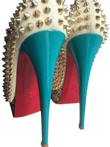 Christian Louboutin Limited Edition Summer Beige Pumps