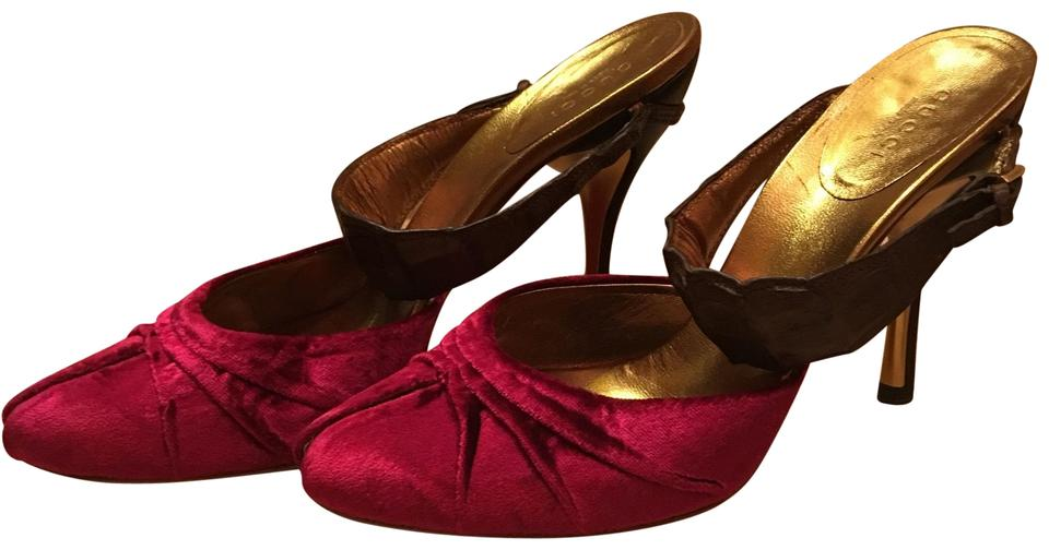 1cc90432c Gucci Pink Velvet and Crocodile Slingback with Metallic Gold Pumps. Size: US  7.5 Regular ...