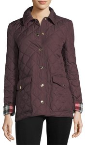 Burberry Westbridge Signature Check Quilted Coat Relaxed Silhouette Dark Red Jacket