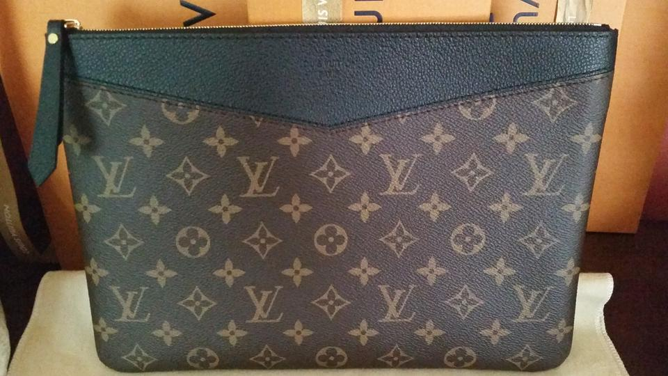 530ee8766a Louis Vuitton Daily Pouch Monogram Noir Canvas Clutch