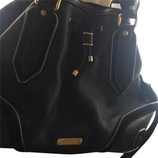 Preload https://img-static.tradesy.com/item/22861934/burberry-great-for-traveling-black-leather-and-suede-at-the-side-of-the-cross-body-bag-0-1-540-540.jpg