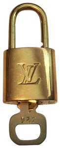 Louis Vuitton Satched Lock & Key No.324
