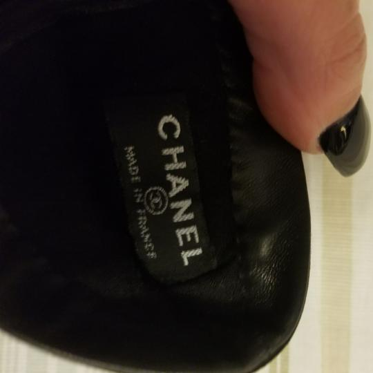 Chanel Authentic Chanel Turn Lock Quilted Lambskin Gloves Size 6.5 Image 2