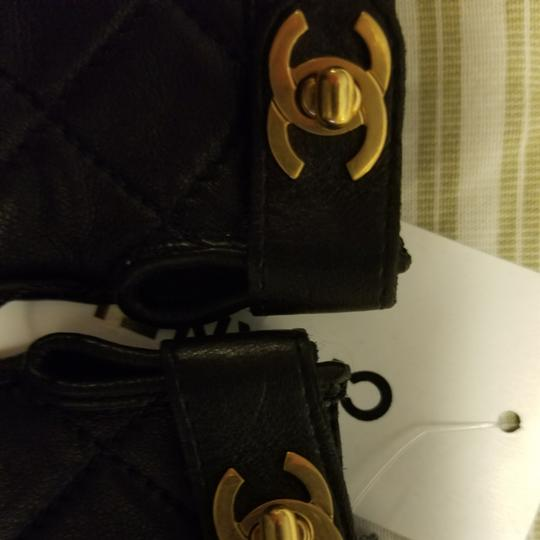 Chanel Authentic Chanel Turn Lock Quilted Lambskin Gloves Size 6.5 Image 3