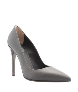 Fendi Leather Grey Pumps