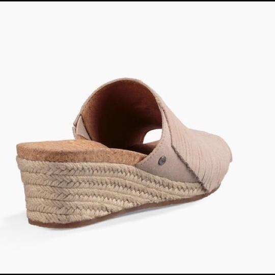 UGG Australia New With Tags New In Box Horchata Wedges Image 1