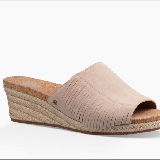 UGG Australia New With Tags New In Box Horchata Wedges Image 2
