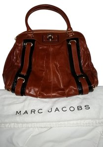 Marc Jacobs Hudson Tri Pocket Leather Patent Gold Hardware Shoulder Bag