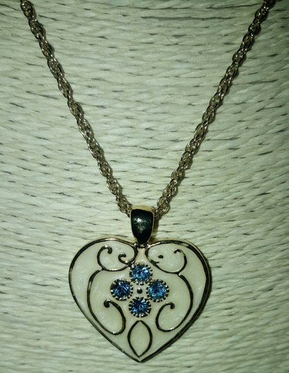 Insppired Inspiration heart necklace Image 8