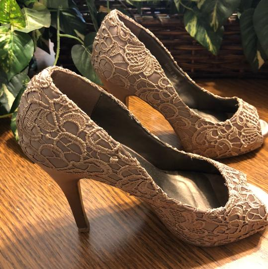 Style Shoes Gold Formal Image 11