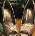 Style Shoes Gold Formal Image 4