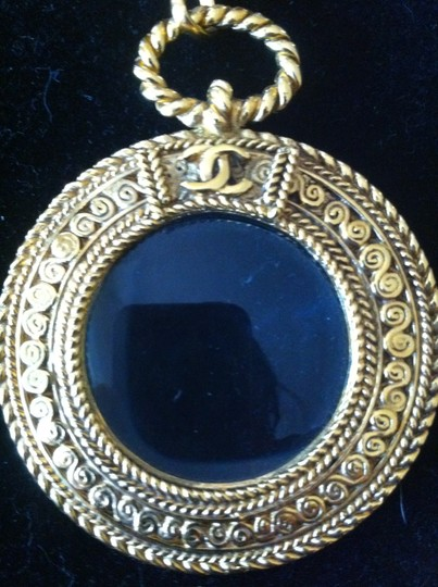 Chanel Iconic Chanel Gold-tone Necklace w/ Magnifying Glass Loupe Pendant Image 3