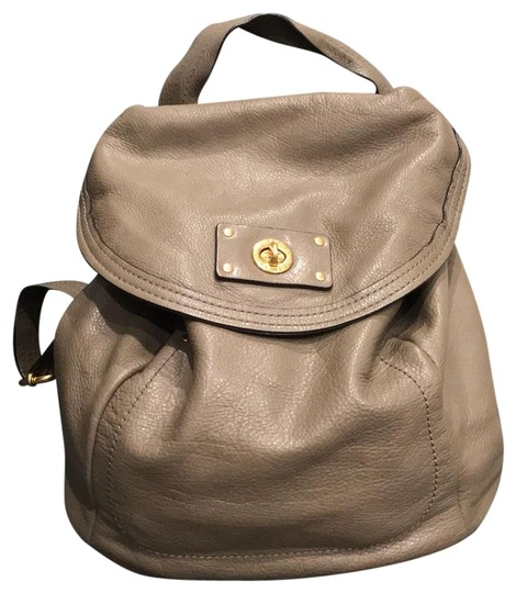 Preload https://img-static.tradesy.com/item/22865912/marc-by-marc-jacobs-puma-taupe-leather-backpack-0-1-540-540.jpg