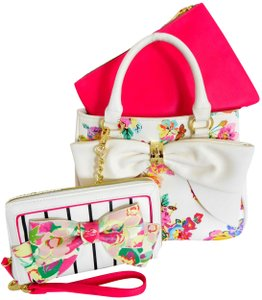 Betsey Johnson Floral Wallet Crossbody Satchel in WHITE MULTI COLOR