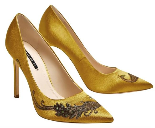 Item - Yellow Satin Embellished Embroidered Court Pumps Size US 6.5 Regular (M, B)
