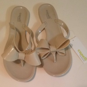 e66a50c4e2f4 Capelli New York Bow Nude Tan Beige Flip Flop Beach Summer Sandals