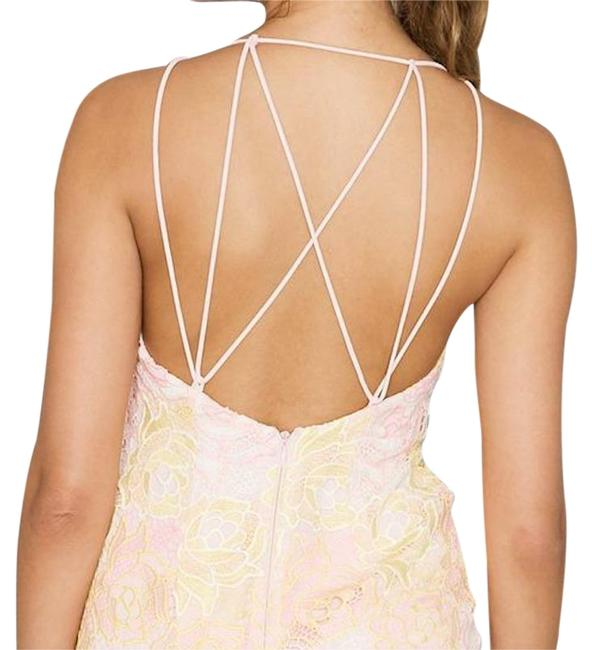 Item - Lime Floral Lace Strappy Back Bodycon Mid-length Cocktail Dress Size 6 (S)