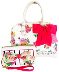 Betsey Johnson Fuchsia Bow Wallet Satchel in WHITE / FLORAL