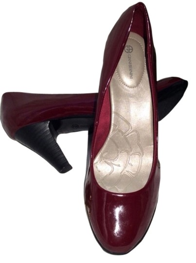 Preload https://item4.tradesy.com/images/giani-bernini-candy-apple-red-patent-leather-pumps-size-us-7-regular-m-b-2287198-0-0.jpg?width=440&height=440