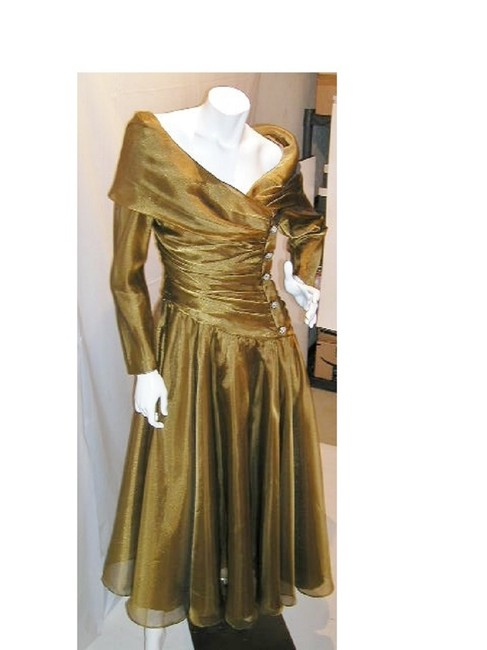 Item - Gold-iridescent W Drop Waist Soft Pleated Flare W/ Portrait Wide Collar Mid-length Night Out Dress Size 16 (XL, Plus 0x)