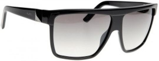 Preload https://item1.tradesy.com/images/gucci-black-3100s-sunglasses-22875-0-0.jpg?width=440&height=440