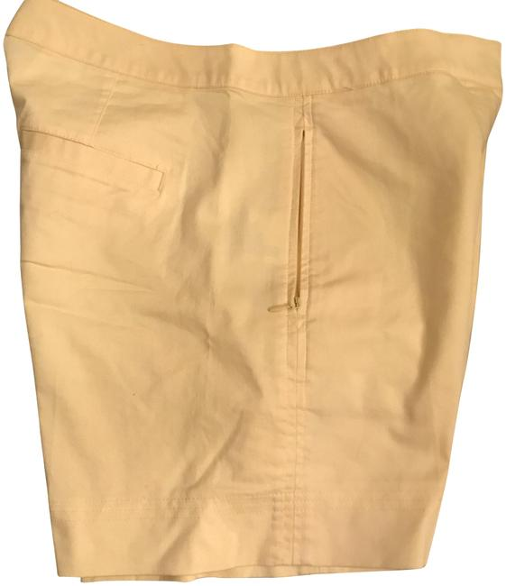 Item - Pale Yellow Shorts Size 6 (S, 28)