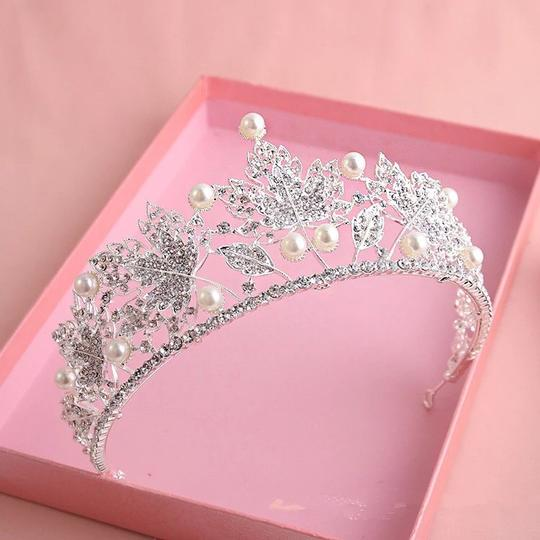 Other Stunning Shiny Full Crystal Beads Pearl Maple Leaf Bridal Tiaras Wedding Crown Image 1