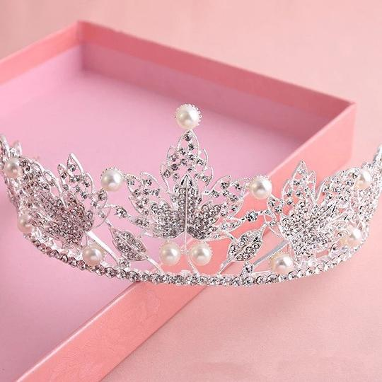 Other Stunning Shiny Full Crystal Beads Pearl Maple Leaf Bridal Tiaras Wedding Crown Image 2