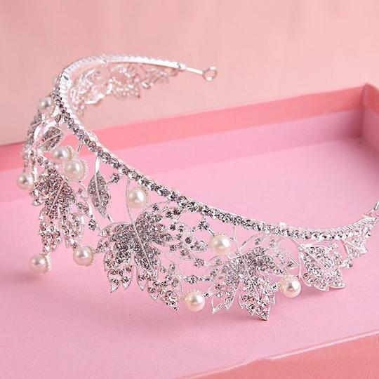 Other Stunning Shiny Full Crystal Beads Pearl Maple Leaf Bridal Tiaras Wedding Crown Image 3