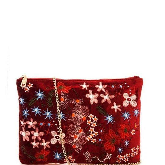 Preload https://img-static.tradesy.com/item/22876097/boho-gypsy-floral-soft-velvet-embroidered-with-chain-new-red-wine-clutch-0-0-540-540.jpg