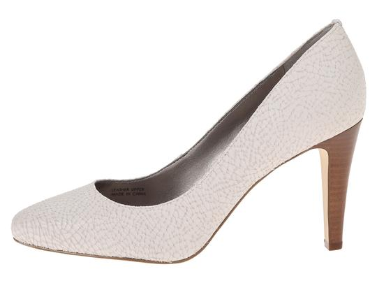 Tahari Leather Stacked Heel Comfort White Pumps Image 0