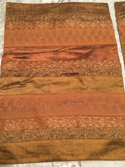 Anthropologie Set Of 2 Silk Incerts Embroidered Placements Tablecloth Image 3