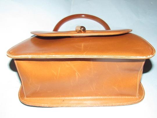 Gucci Early Mod Kelly Style Multiple Compartment Mint Vintage Uses Bakelite/Lucite Satchel in caramel leather with tortoise shell Lucite/Bakelite and gold accents Image 10